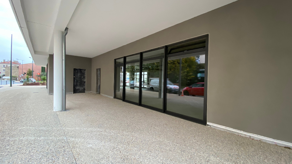 Bureau-Local commercial - 87m² 2/3